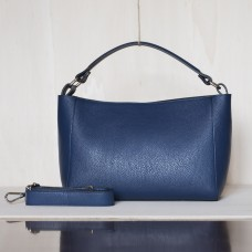 Borsa media in pelle martellata Made in Italy - col. blu